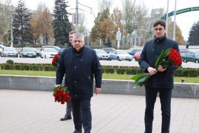 v-zaporozhe-pochtili-pamyat-geroev-revolyuczii-dostoinstva.jpg