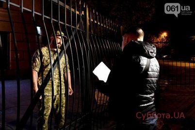 v-zaporozhe-pod-zdaniem-sbu-sostoyalas-protestnaya-akcziya-net-kapitulyaczii-foto.jpg