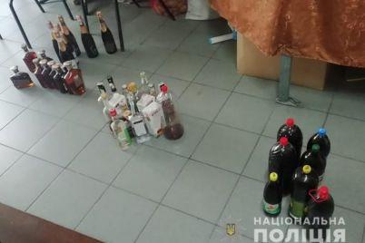 v-zaporozhe-policziya-i-obshhestvenniki-nakryli-alkomarket.jpg
