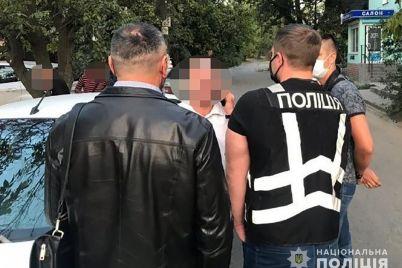 v-zaporozhe-policziya-pojmala-podozrevaemogo-sutenera-kotoryj-vovlekal-zhenshhin-v-zanyatie-prostitucziej.jpg