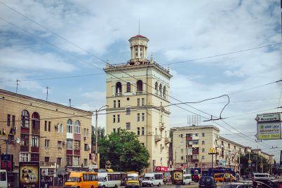 v-zaporozhe-poshel-kamennyj-dozhd-video.jpg