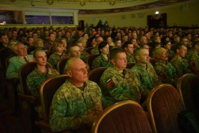 v-zaporozhe-pozdravili-zashhitnikov-ukrainy-foto.jpg