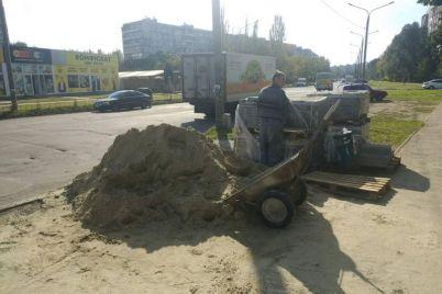 v-zaporozhe-predprinimatel-nezakonno-perekopal-uliczu.jpg