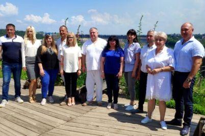 v-zaporozhe-predstavili-komandu-ekspertov-po-razvitiyu-goroda.jpg