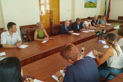 v-zaporozhe-predstaviteli-gorodskoj-vlasti-i-eko-aktivisty-budut-rabotat-vmeste.jpg