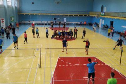v-zaporozhe-pri-podderzhke-hlibodara-sostoyalsya-masshtabnyj-gorodskoj-turnir-po-badmintonu-foto.jpg