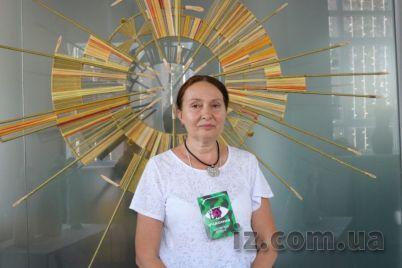 v-zaporozhe-priehala-hudozhnicza-sozdayushhaya-potryasayushhie-skulptury-iz-lozy.jpg