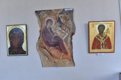 v-zaporozhe-privezli-ikony-iz-lvova.jpg