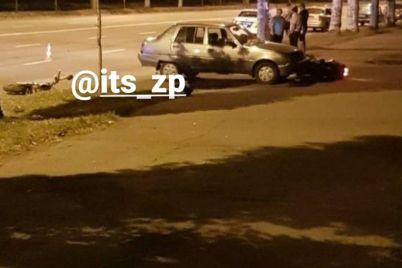 v-zaporozhe-proizoshlo-dtp-s-motocziklistom-est-postradavshie-foto.jpg
