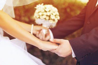 v-zaporozhe-proshla-neobychnaya-svadba-video.jpg