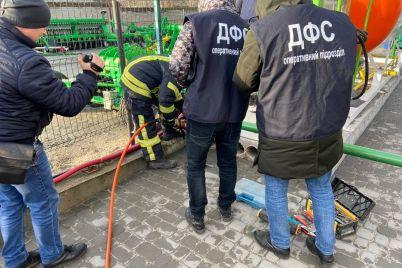 v-zaporozhe-s-nelegalnoj-gazovoj-zapravki-demontirovali-oborudovanie.jpg