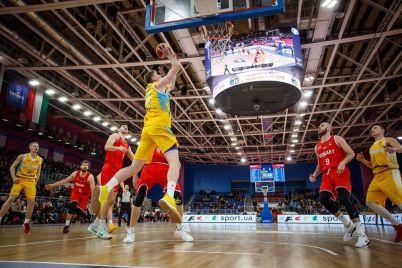 v-zaporozhe-sbornaya-ukrainy-po-basketbolu-na-poslednih-sekundah-matcha-ustupila-vengrii.jpg
