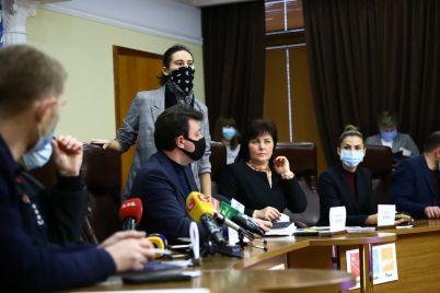 v-zaporozhe-semi-pogibshih-v-pozhare-pri-infekczionnoj-bolnicze-poluchat-po-50-tysyach-materialnoj-pomoshhi.jpg