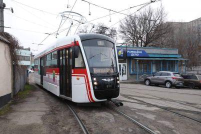 v-zaporozhe-sobrali-eshhe-odin-novyj-tramvaj-foto.jpg