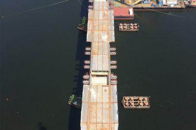 v-zaporozhe-soedinili-pilon-vantovogo-mosta-s-levym-beregom-dnepra-podrobnosti-foto.jpg