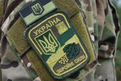 v-zaporozhe-soldaty-na-territorii-chasti-derzhali-v-plenu-neskolkih-grazhdan.jpg