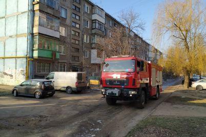 v-zaporozhe-spasateli-vsyu-noch-podvozili-vodu-v-kotelnuyu-foto.jpg