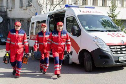 v-zaporozhe-startovala-akcziya-podvezi-medika.jpg