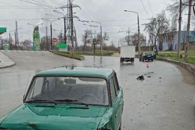 v-zaporozhe-stolknulis-vaz-i-ford-odin-iz-voditelej-byl-pod-narkotikami.jpg