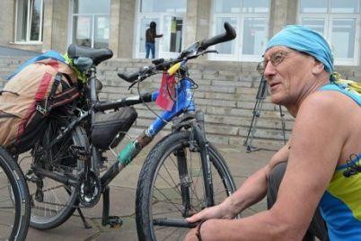 v-zaporozhe-u-naczgvardejskogo-uazika-otorvalos-koleso-i-sbilo-velosipedista-video.jpg