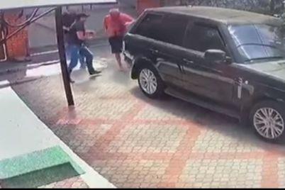 v-zaporozhe-ubili-kriminalnogo-avtoriteta-po-prozvishhu-petrik-video.jpg