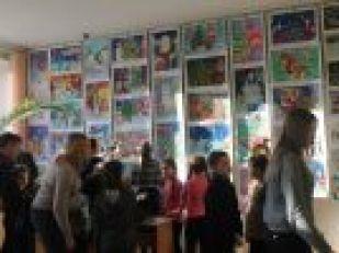 В Запорожье в главной библиотеке встретятся сразу три выставки