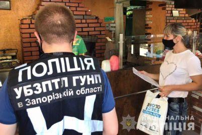v-zaporozhe-v-populyarnom-ryade-shaurmichnyh-razoblachili-nelegala-foto.jpg
