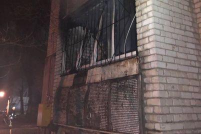 v-zaporozhe-vo-vremya-pozhara-v-pyatietazhke-evakuirovali-11-chelovek.jpg