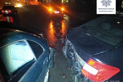 v-zaporozhe-voditel-bez-prav-protaranil-tri-priparkovannyh-avto-i-sbezhal-foto.jpg