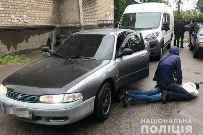 v-zaporozhe-voditel-inomarki-protaranil-policzejskuyu-mashinu.jpg
