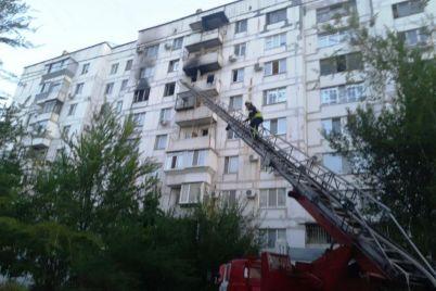 v-zaporozhe-zagorelas-kvartira-v-mnogoetazhke-spasli-pyateryh-vzroslyh-i-dvuh-detej-foto.jpg