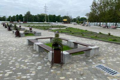 v-zaporozhe-zakanchivaetsya-rekonstrukcziya-pravoberezhnogo-plyazha-foto.jpg