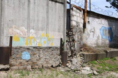 v-zaporozhe-zatopilo-podval-i-pervyj-etazh-gimnazii.jpg
