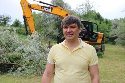 v-zaporozhe-zelenyj-czentr-metinvest-provedet-subbotniki-po-vsem-rajonam-goroda.jpg