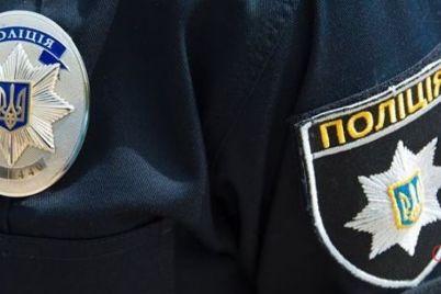 v-zaporozhe-zhenshhina-pytalas-dogovoritsya-s-policzejskimi-ob-uhode-ot-otvetstvennosti-foto.jpg