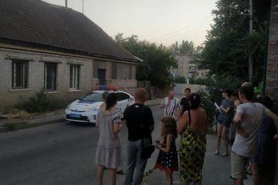 v-zaporozhe-zhiteli-odnoj-iz-ulicz-perekryli-prospekt-chtoby-privlech-vnimanie-policzii-k-torgovle-narkotikami.jpg