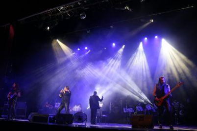 v-zaporozhe-zvuchali-rok-hity-v-soprovozhdenii-simfonicheskogo-orkestra-video-foto.jpg