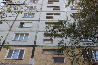 v-zaporozhskih-mnogoetazhkah-prodolzhaetsya-remont-vodoprovodnyh-setej.jpg