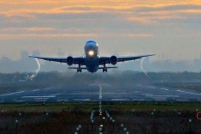 v-zaporozhskij-aeroport-priehali-policzejskie-spasateli-i-kinologi-chto-sluchilos.jpg