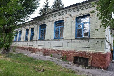 v-zaporozhskoj-bolnicze-hirurgicheskoe-otdelenie-zakryvat-ne-sobirayutsya.jpg