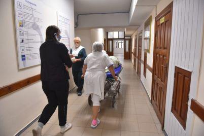 v-zaporozhskoj-bolnicze-nachali-provodit-planovye-operaczii-foto.jpg
