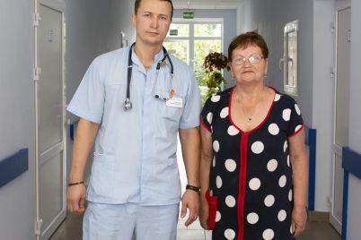 v-zaporozhskoj-bolnicze-vrachi-dostali-iz-legkih-zhenshhiny-zub-foto.jpg