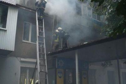 v-zaporozhskoj-mnogoetazhke-goreli-neskolko-balkonov.jpg