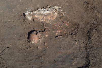 v-zaporozhskoj-oblasti-arheologi-obnaruzhili-ostanki-srednevekovogo-vsadnika.jpg