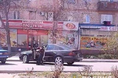 v-zaporozhskoj-oblasti-desyatiletnij-malchik-razuezzhal-po-gorodu-na-mersedese.jpg