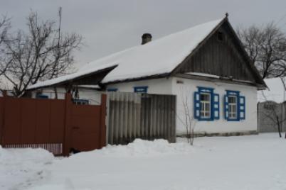 v-zaporozhskoj-oblasti-eshhe-est-doma-s-golubymi-stavnyami-o-kotoryh-pisal-esenin.png