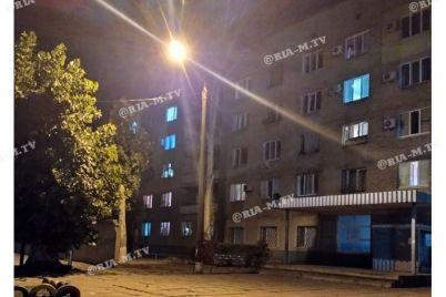 v-zaporozhskoj-oblasti-iz-okna-obshhezhitiya-vyprygnul-chelovek-foto.jpg