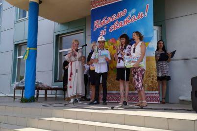 v-zaporozhskoj-oblasti-ko-dnyu-nezavisimosti-nagradili-shkolnika-kotoryj-spas-rybaka.jpg