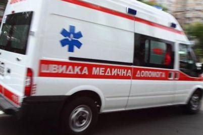 v-zaporozhskoj-oblasti-legkovushka-sletela-s-dorogi-est-postradavshie-fotofakt.jpg
