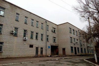 v-zaporozhskoj-oblasti-mediki-odnoj-iz-gorbolnicz-falsificzirovali-spravki-za-dengi.jpg